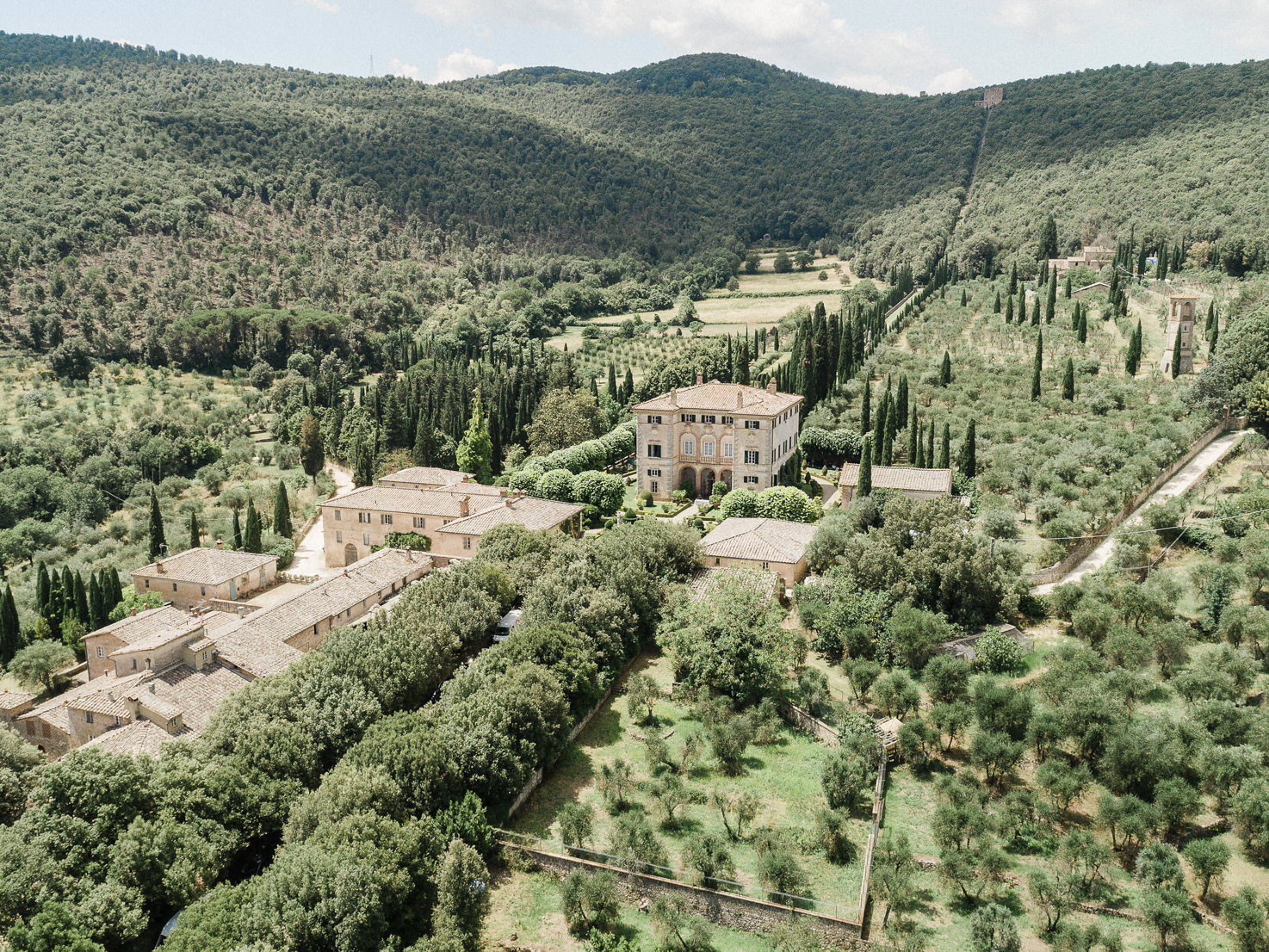 Villa Cetinale immersed in the Tuscan countryside