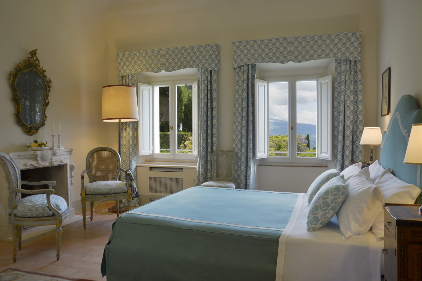 Bedroom with view over the Tuscan hills