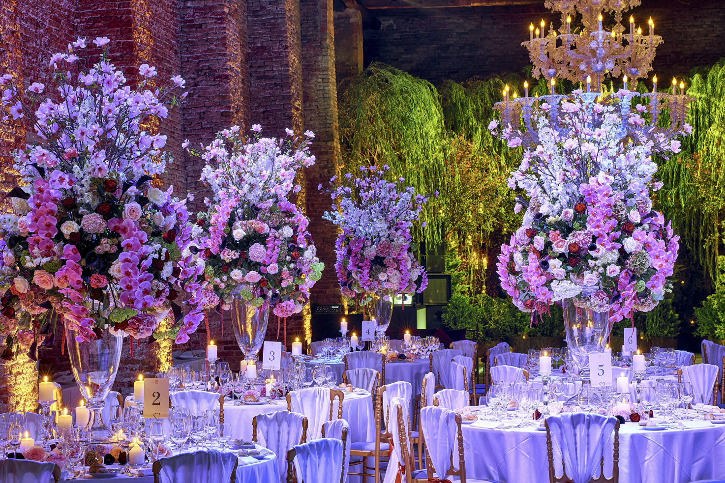 Floral decorations for wedding banquet