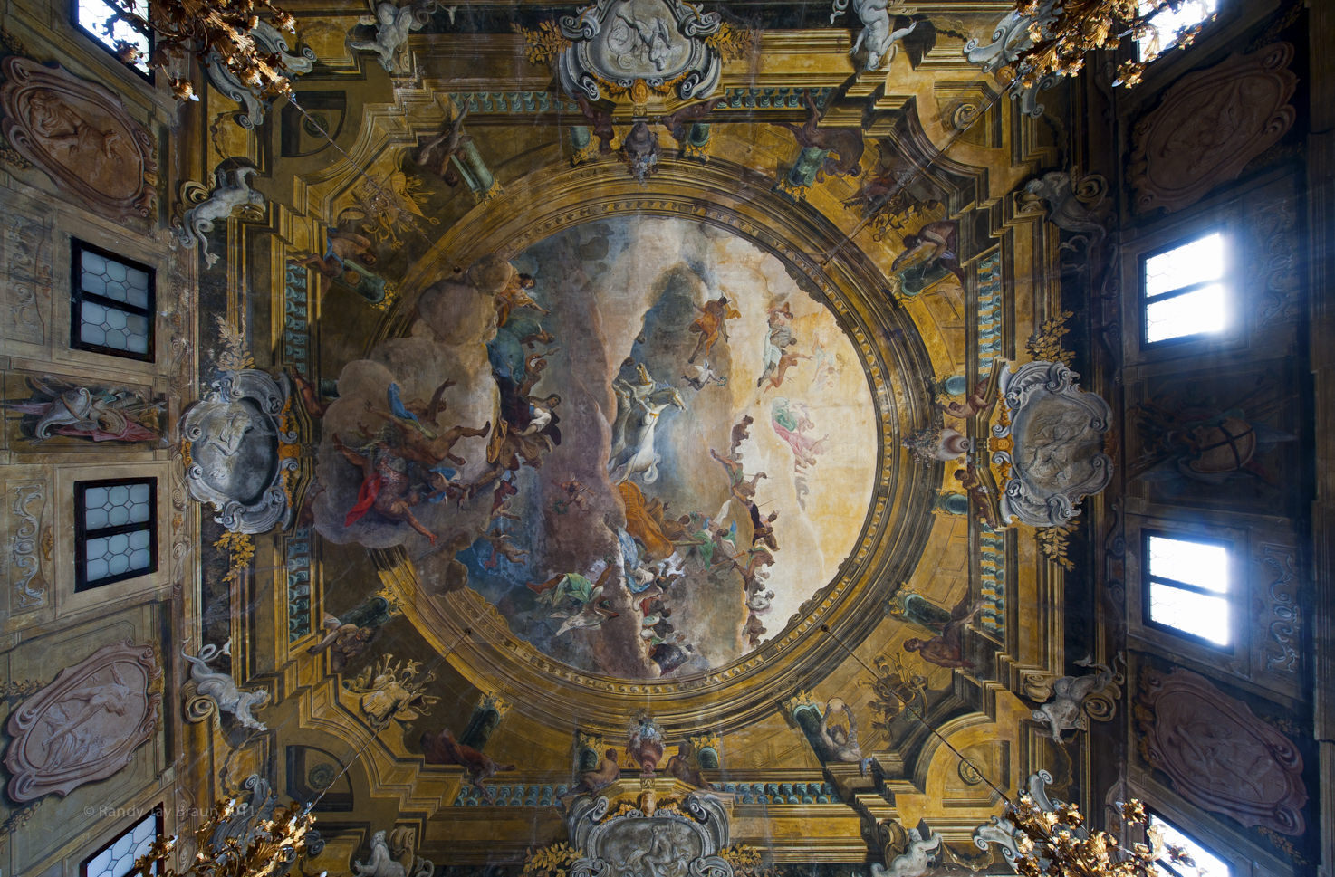 Cà Sagredo, Ballroom with frescoed ceiling