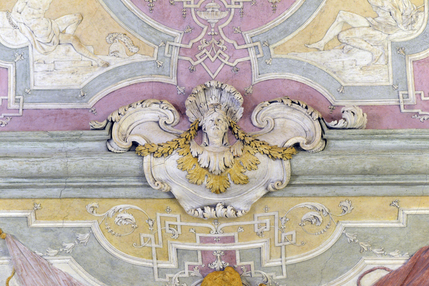 Detail of the stucco decorations