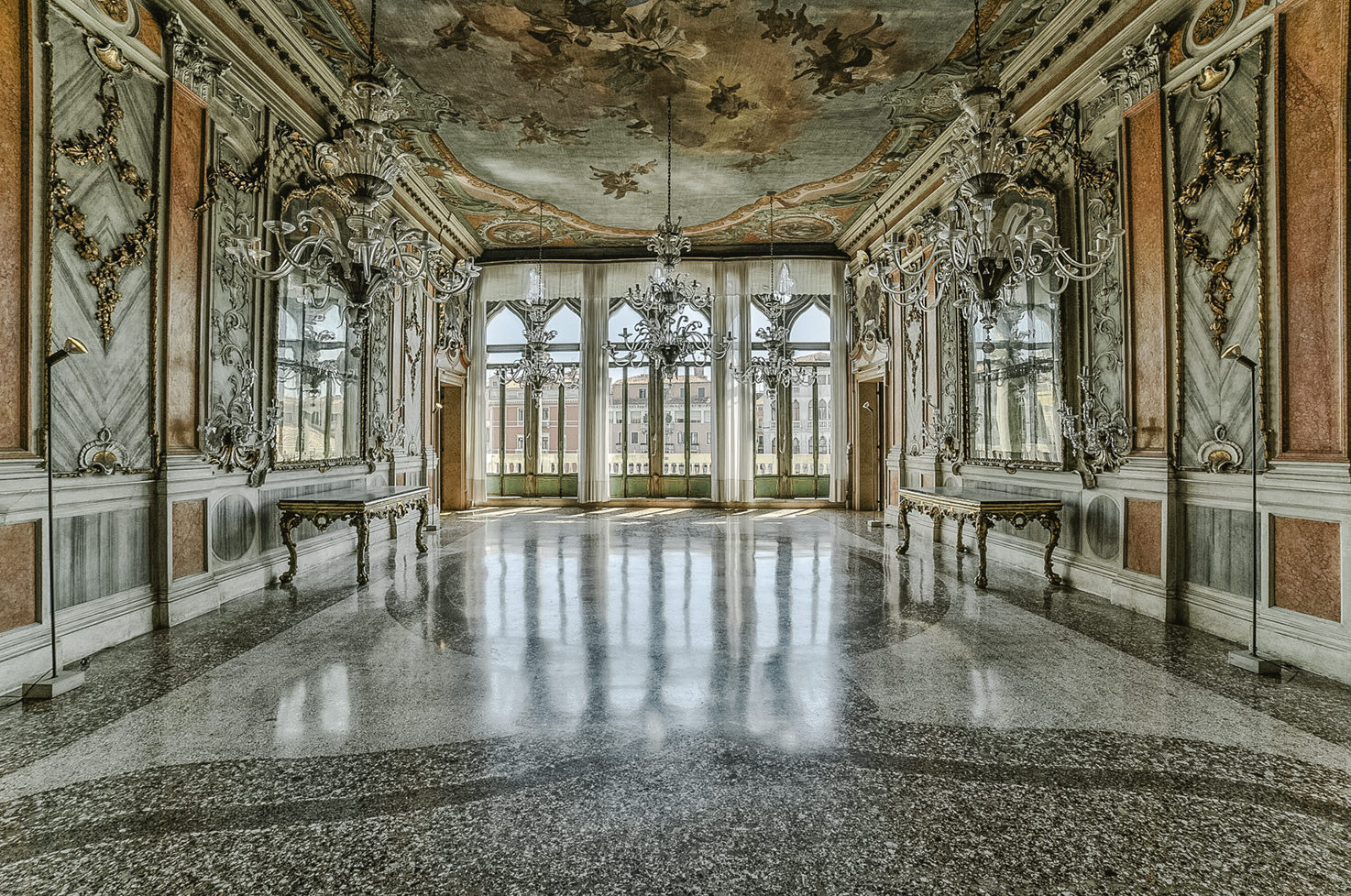Palazzo Pisani Moretta, Noble floor with view over Grand Canal