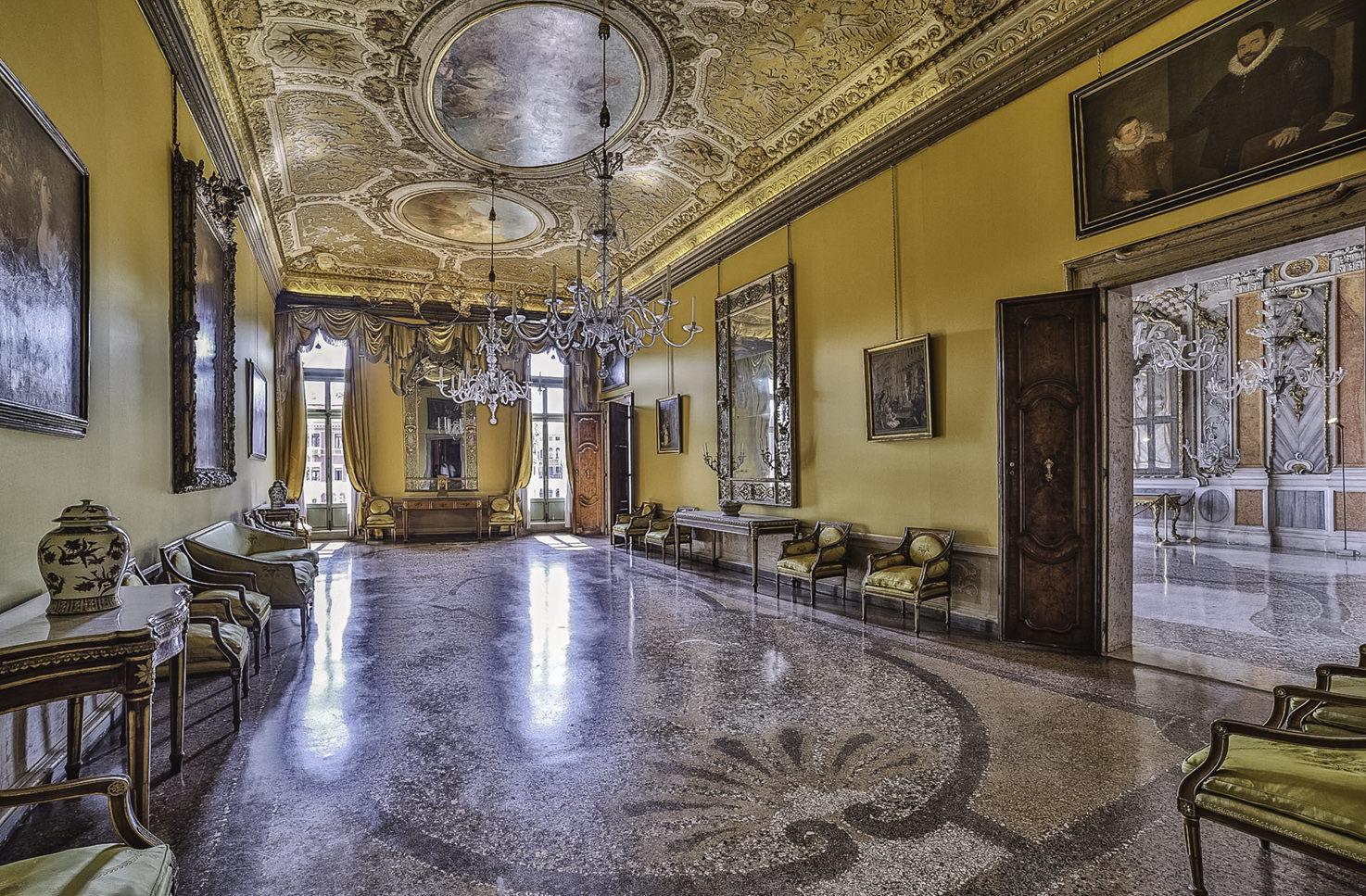 Palazzo Pisani Moretta, Yellow Hall