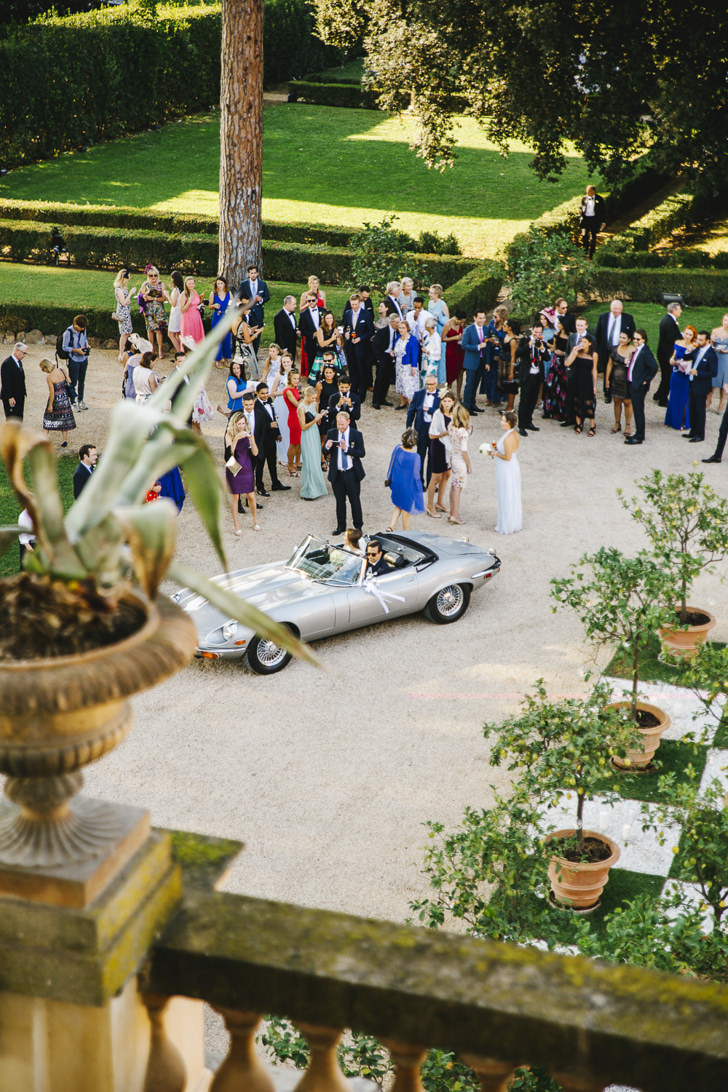 Arrival of the bride and groom at Villa Aurelia