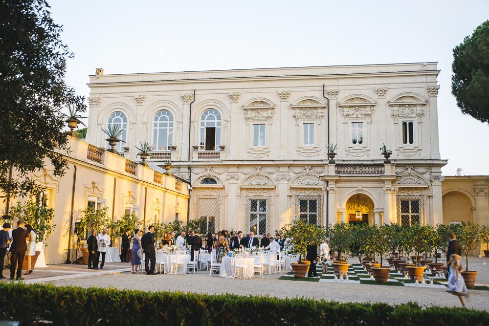 Wedding reception in the gardens of Villa Aurelia