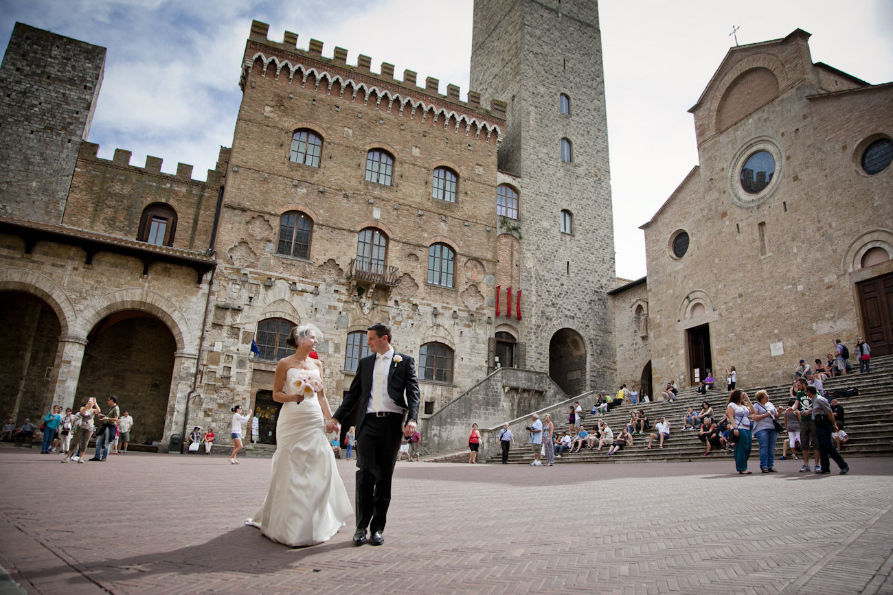 Destination wedding in San Gimignano