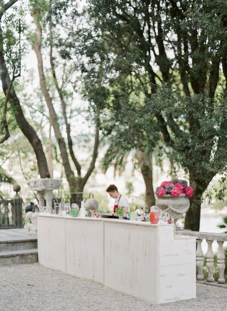 Wedding cocktail in the gardens of Villa Durazzo