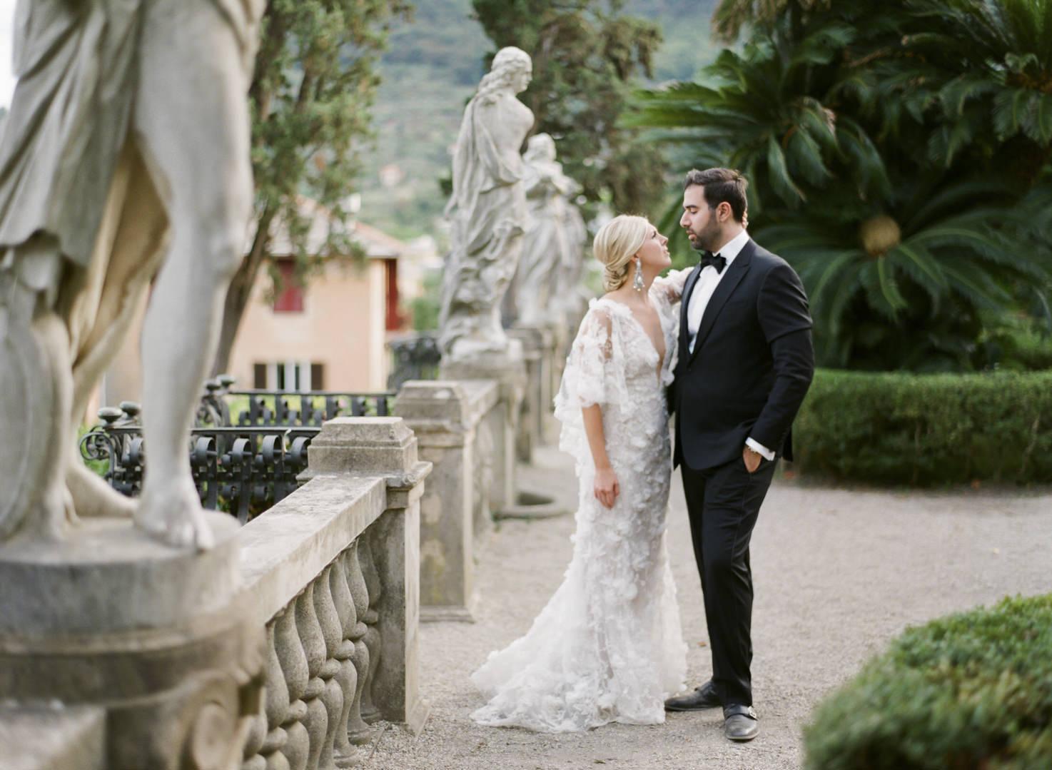 Bride and groom in the gardens of Villa Durazzo