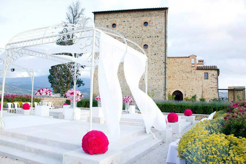 Tuscany wedding at Castello di Velona
