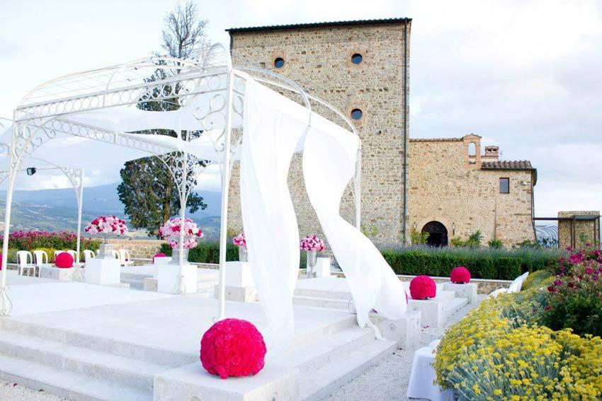 Tuscany wedding at Castello di Velona