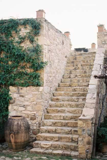 Gardens of Castello di Vicarello for destination weddings in Tuscany