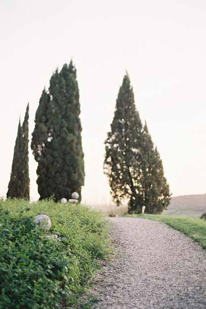 Gardens of Castello di Vicarello for Tuscany weddings