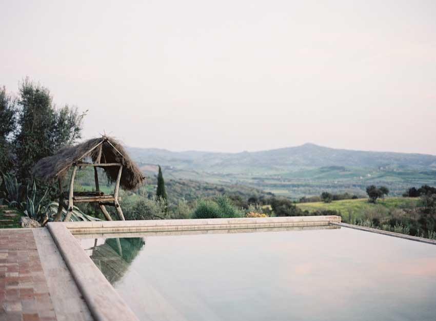 Pool of Castello di Vicarello for weddings in Tuscany