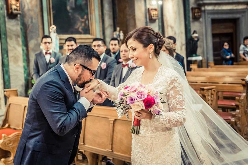 Vatican wedding in rome rome wedding packages catholic ceremony in vatican city junglespirit Images
