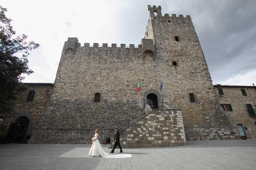 Castellina in Chianti for civil weddings in Tuscany