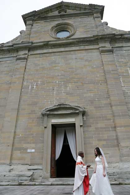 Catholic ceremony in Cortona for wedding in Tuscany
