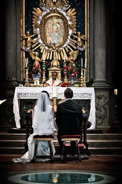 Catholic ceremony in Cortona for wedding in Tuscany