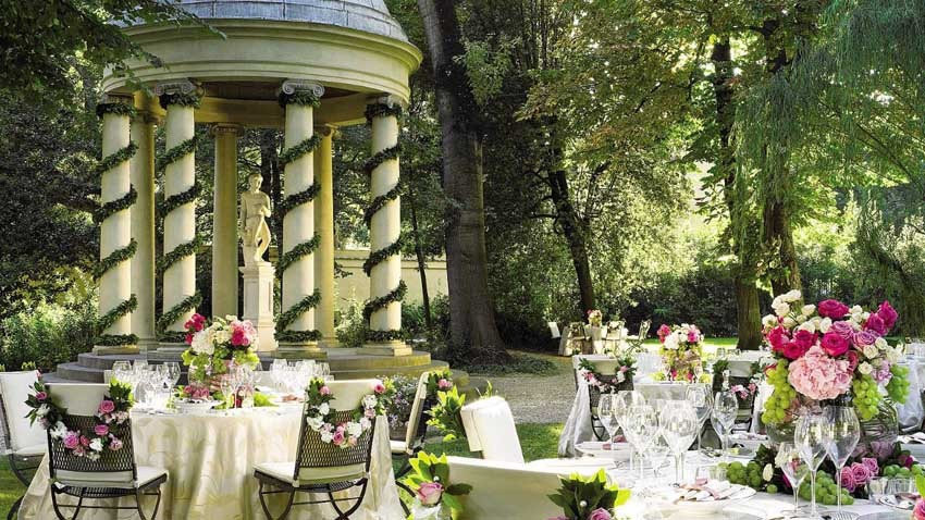 Gardens of Four Seasons Hotel for destination weddings in Florence