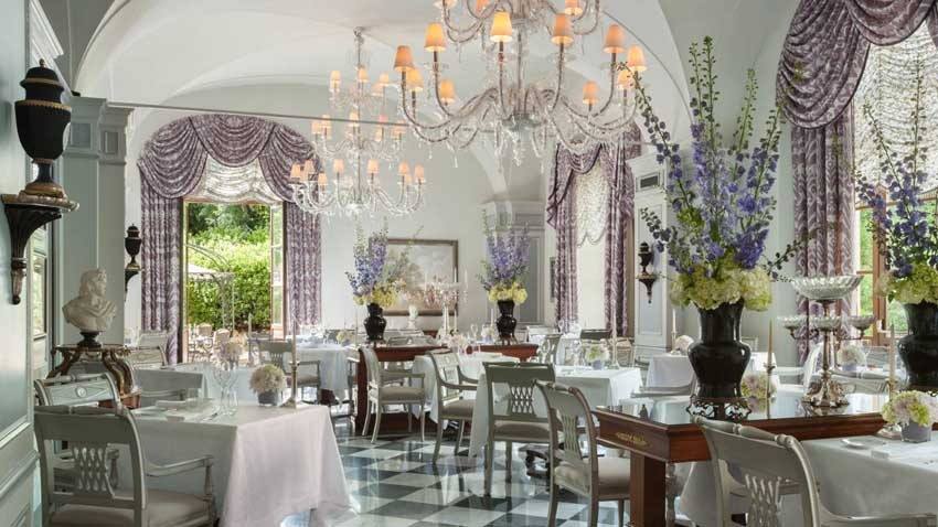 Hall of Four Seasons Hotel for destination weddings in Florence