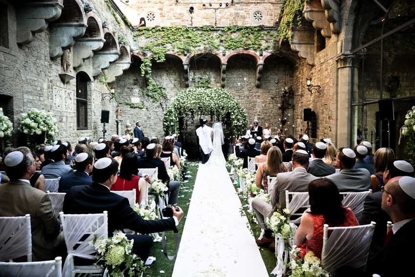 Jewish wedding in a castle near Florence