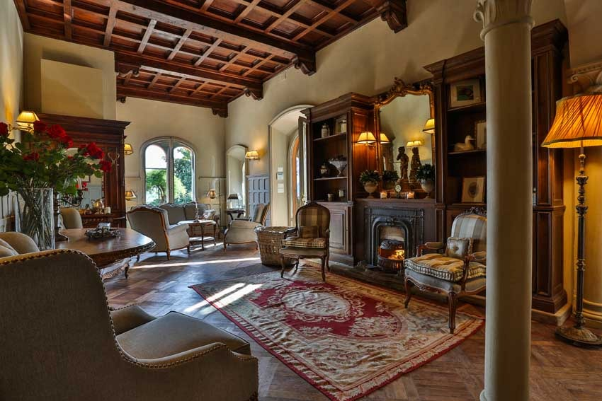 Interior of Villa Le Fontanelle for weddings in Florence