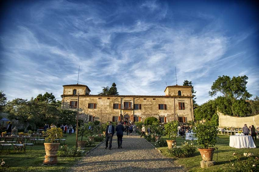Tuscany weddings at Villa di Lilliano