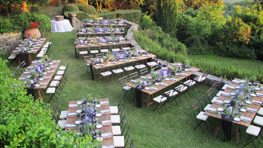 Outdoor wedding reception at Villa Montefiano in Tuscany