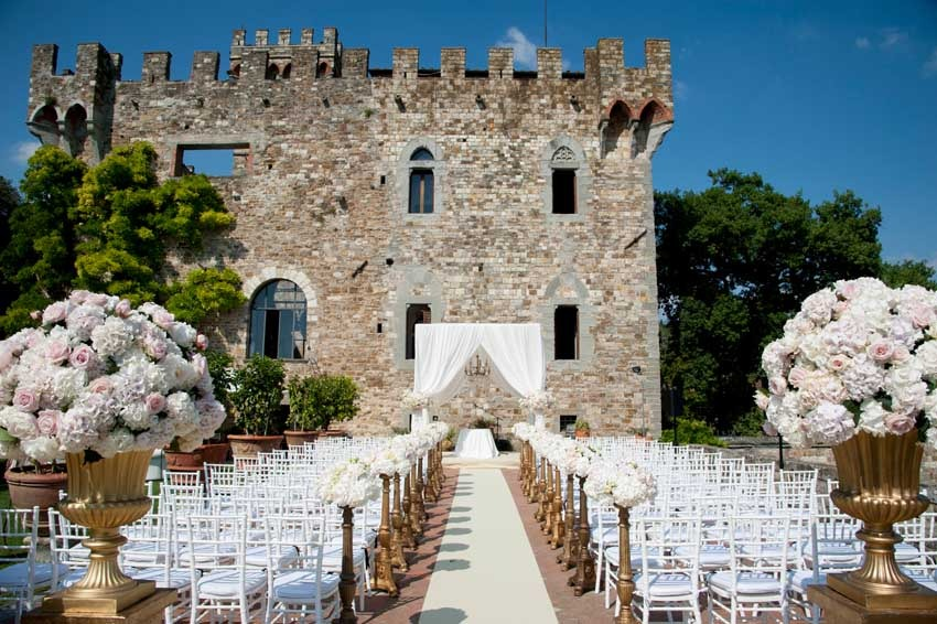 Wedding ceremony at Vincigliata Castle near Florence