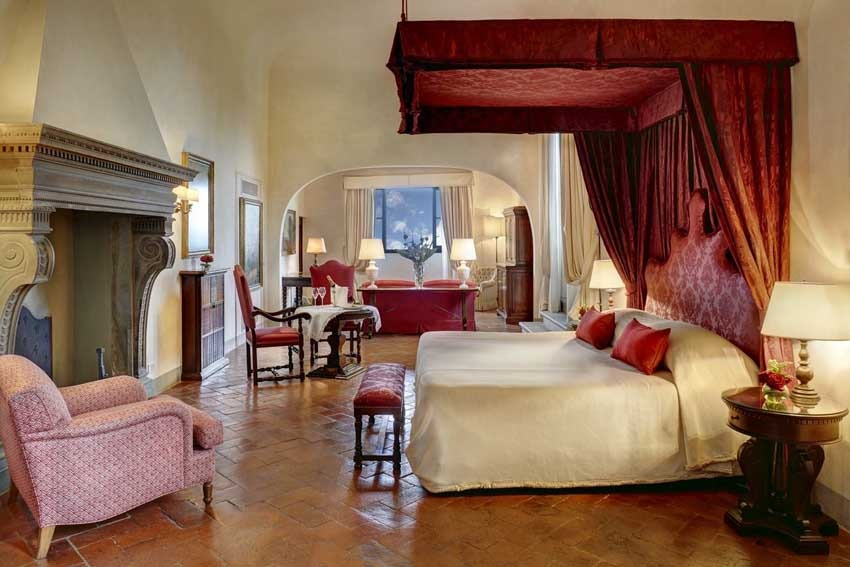 Room of Villa San Michele, venue for destination weddings in Florence