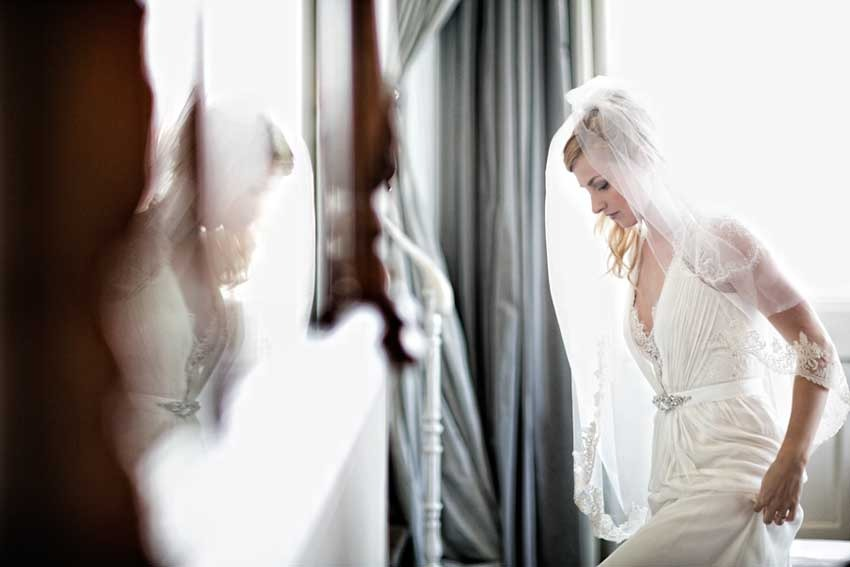 Bride getting ready for the ceremony in Florence