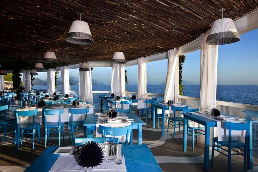 Restaurant with seaview for wedding receptions in Capri