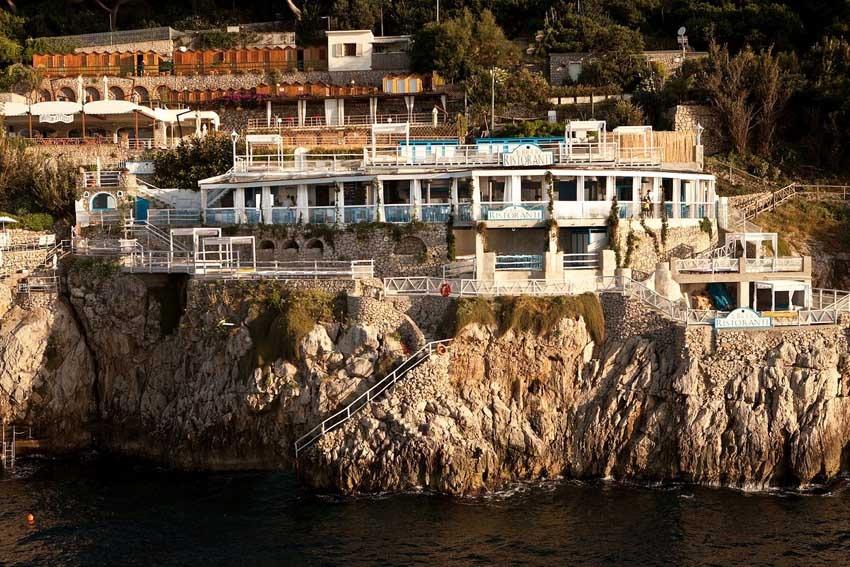 Capri weddings in panoramic restaurant with seaview