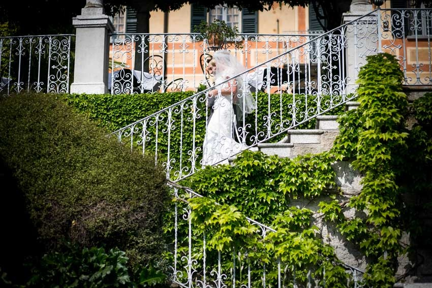 Outdoor civil wedding in Varenna on Lake Como