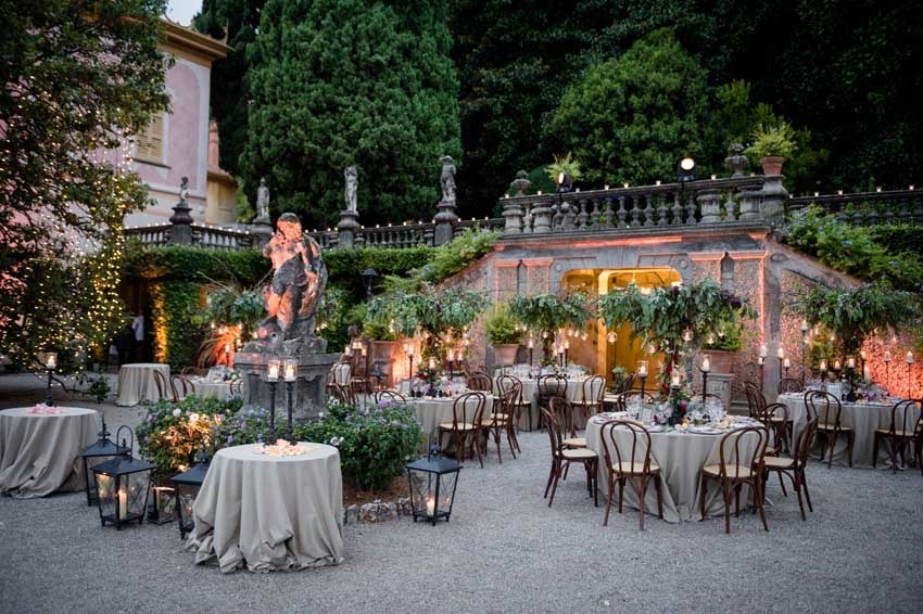 Wedding dinner on Lake Como in the gardens of Villa Pizzo