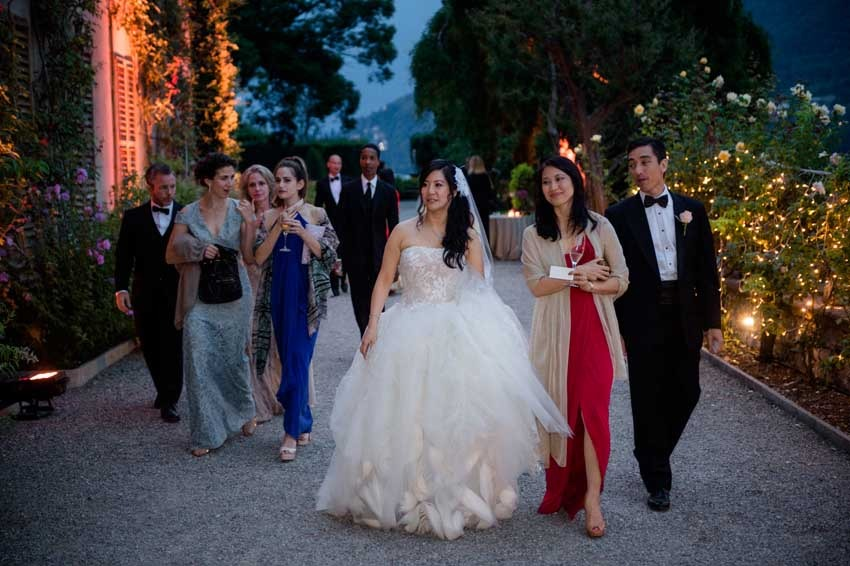 Wedding party on Lake Como in the gardens of Villa Pizzo