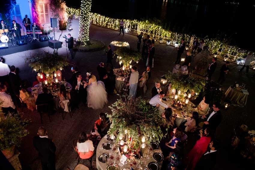 Wedding party on Lake Como in the gardens of Villa Pizzo