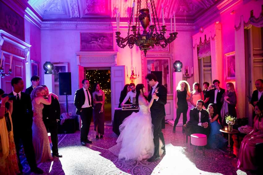 First dance of the bridal couple at Lake Como wedding in Villa Pizzo