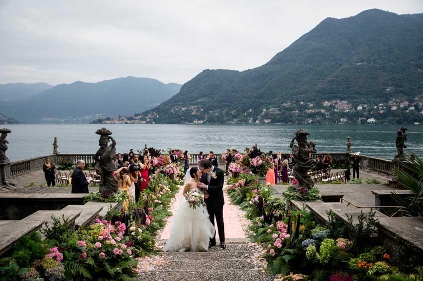 Outdoor wedding ceremony at Villa Pizzo on Lake Como