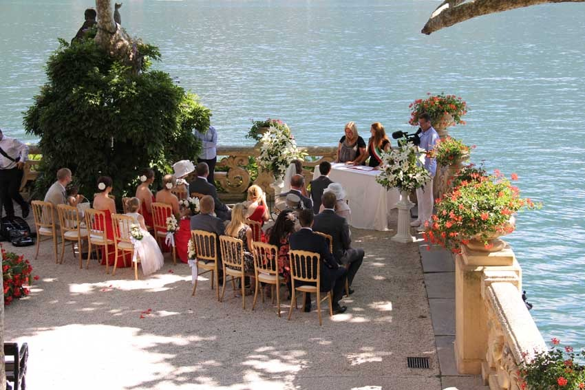 Outdoor wedding at Villa del Balbianello on Lake Como