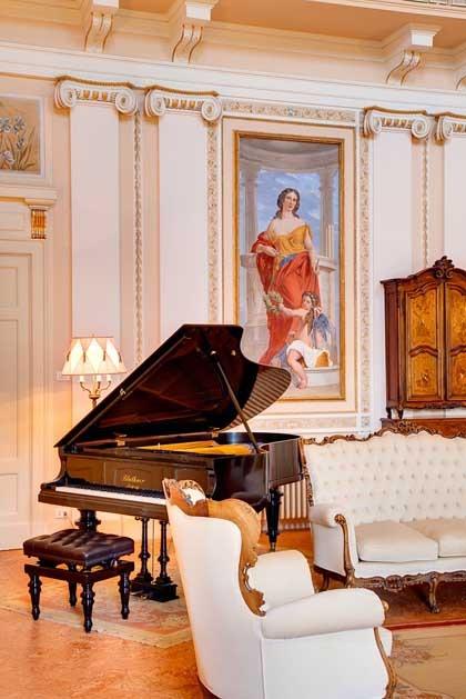 Villa Passalacqua for destination weddings on Lake Como