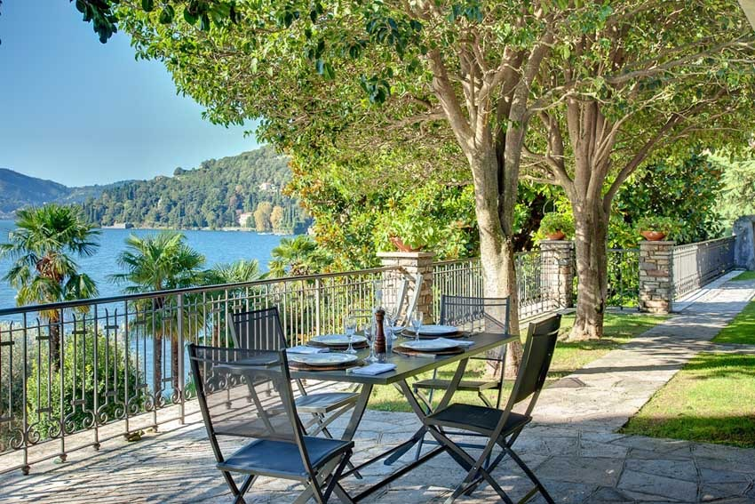 Park of Villa Passalacqua for destination weddings on Lake Como