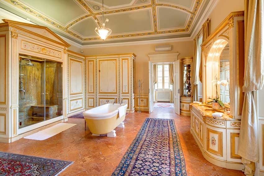 Suite of Villa Passalacqua for destination weddings on Lake Como