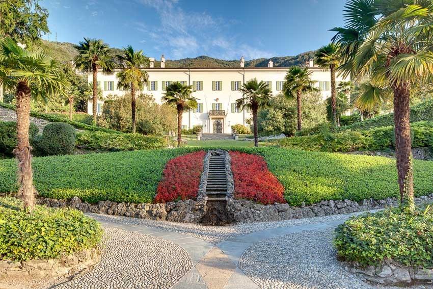 Facade of Villa Passalacqua for destination weddings on Lake Como