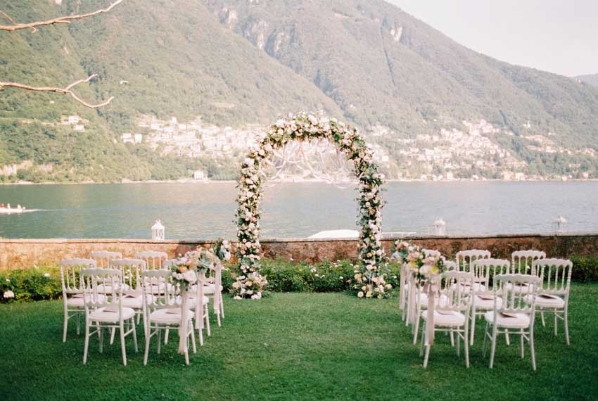 Outdoor wedding ceremony at Villa Regina Teodolinda on Lake Como