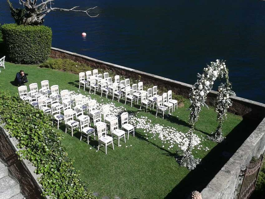 Outdoor wedding ceremony at Villa Regina Teodolinda Lake Como