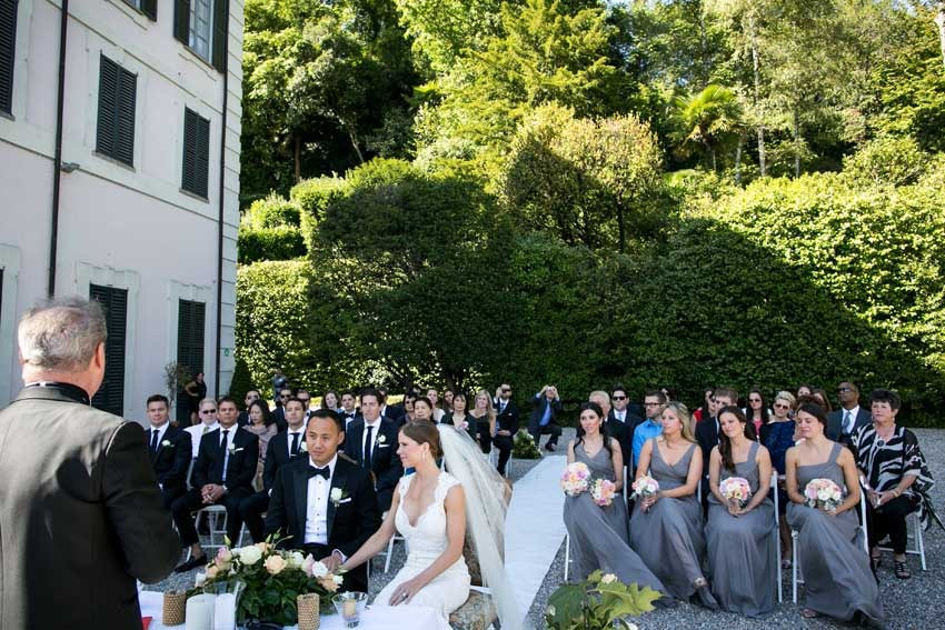 Outdoor civil wedding at Villa Carlotta on Lake Como