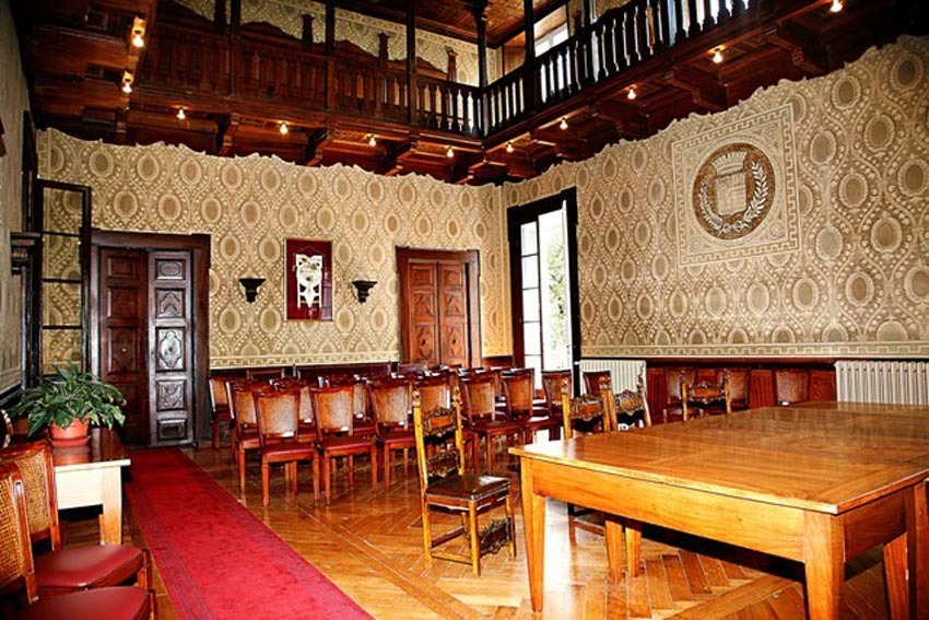 Town Hall of Gardone Riviera for civil weddings on Lake Garda