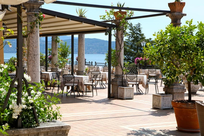 Restaurant of Villa del Sogno for weddings on Lake Garda