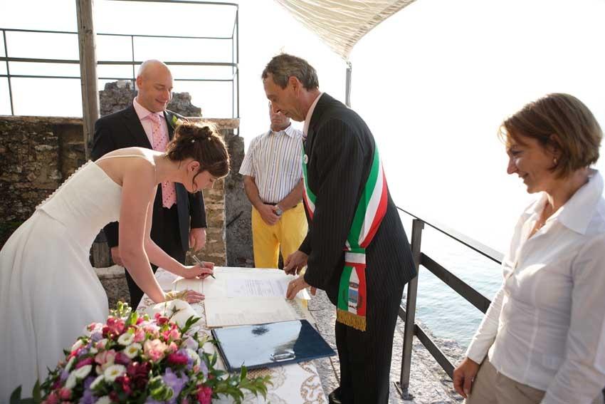 Civil ceremony at Torri del Benaco on Lake Garda