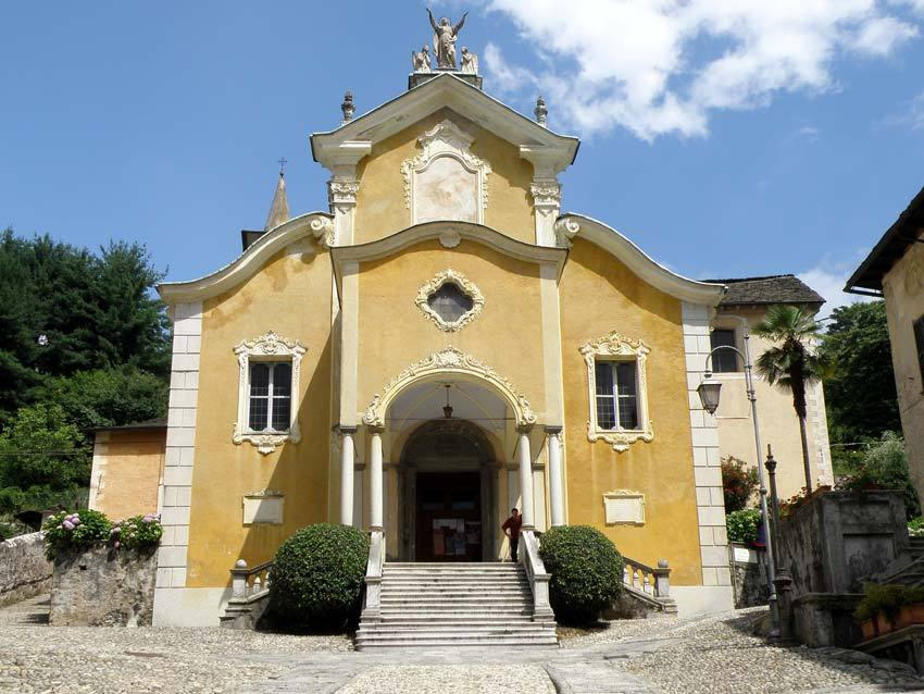 Church for catholic weddings on Lake Orta